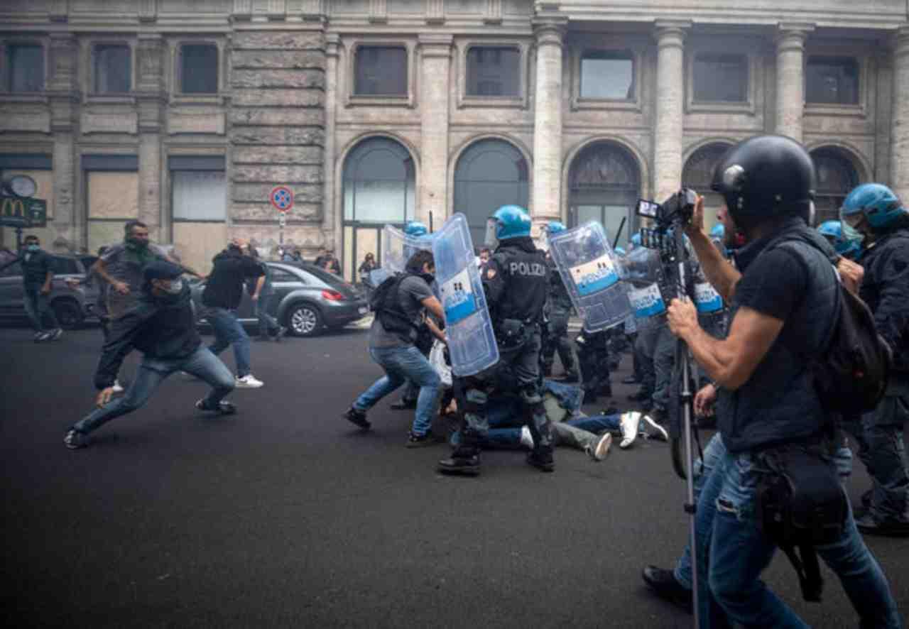 Green Pass scontri a Roma